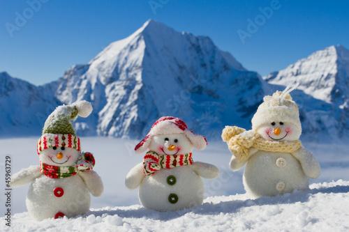 Snowman - happy winter friends - 45963729