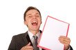 Mann mit Hinweismappe lachend (freigestellt)