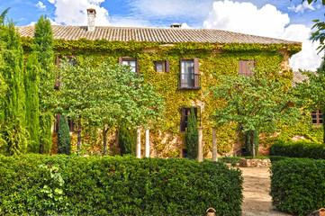 Casa rural, finca de Castilla-La Mancha, jardinería