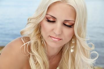 Beautiful Eye eyeshadow Makeup, Blond woman
