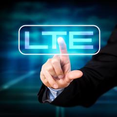 Mann wählt LTE aus