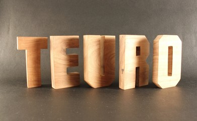 TEURO text animation with wooden letter version 3