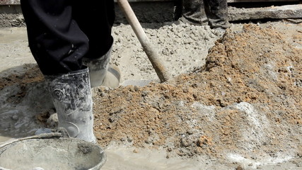 Mixing cement for the preparation of Construction