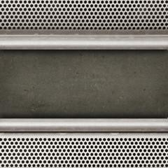 pannelli metallo su parete cemento
