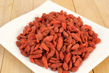 bunch of goji berries