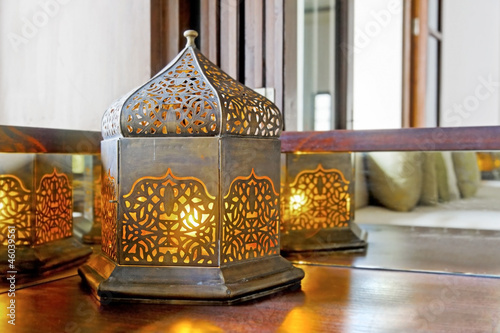 Corner unit incondescent buld lantern lamp