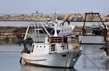Italy, Sicily, Scoglitti, sicilian fishing boats in the port