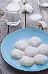 Mexican almond cookies