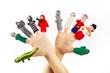 canvas print picture - Gestrickte Fingerpuppen an zwei Händen