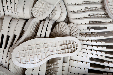 Manual production of shoes
