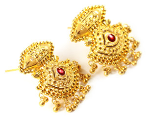 Indian wedding earrings for bride