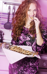 The beautiful girl with cookies tray