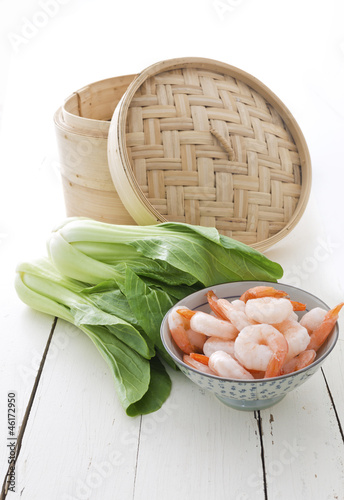 Asian steamer, bok choy and prawns