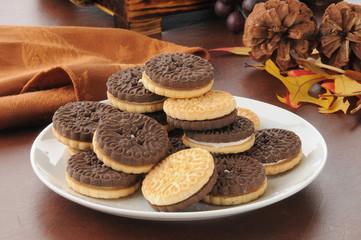 Duplex sandwich cookies