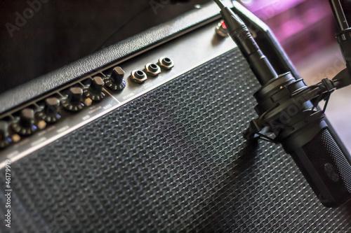 Gitarrenverstärker mit Mikrofon