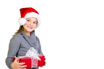lachendes kind hält ein geschenk