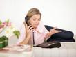 genervte Frau telefoniert
