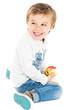 Junge am Apfel essen