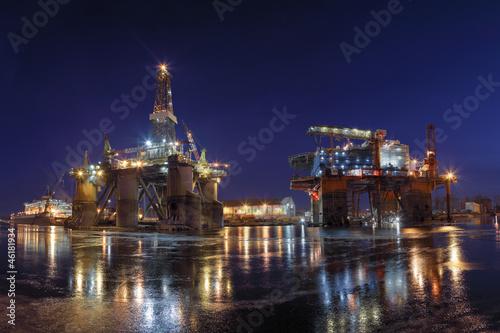 Oil Rigs at night - 46181934