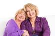 Alte Freundschaft rostet nicht - zwei ältere Frauen