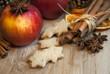 Weihnachtsäpfel und Plätzchen