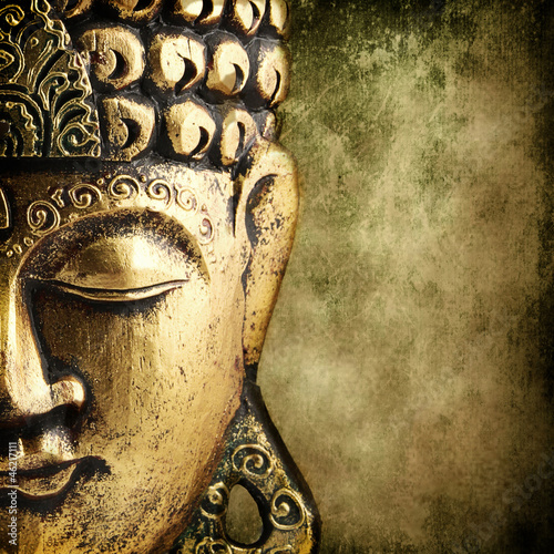 Tuinposter Standbeeld golden Buddha