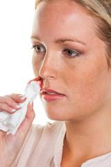 Frau mit Nasen bluten