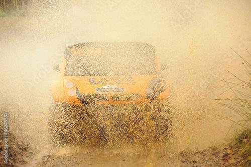 4x4 mud splash