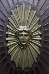 Détail de porte parisienne