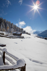chalet in paesaggio invernale