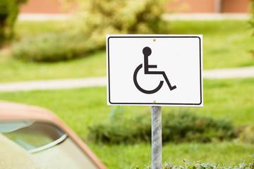 Znak drogowy / Miejsce dla inwalidy