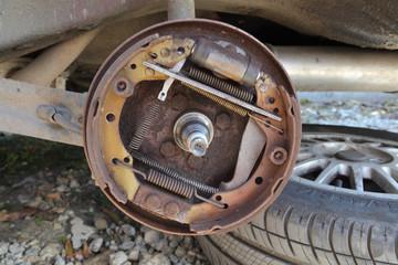 Car servicing, repairing of old drum brakes