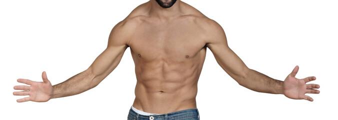 uomo a torso nudo con le braccia aperte