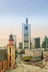 Hauptwache in Frankfurt mit Skyline und Katharinenkirche
