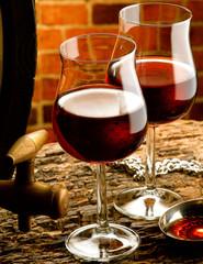bicchieri di vino rosso