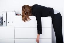 Całkowicie wyczerpany w biurze