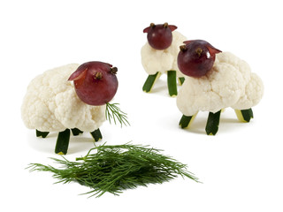 Sheeps chew grass, crafts for kids