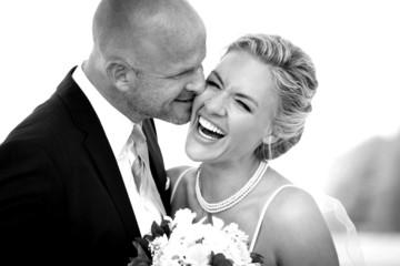 lachende Braut sw