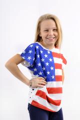Fillette blonde plein pied t-shirt américain 03