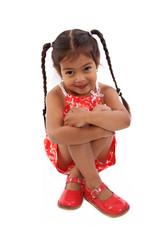 enfant timide avec couettes