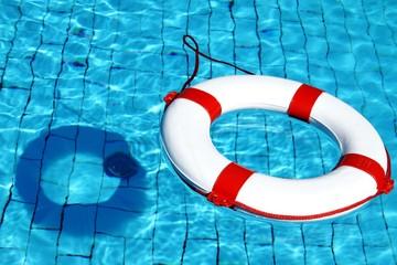 Sicherheit am Ansaugrohr im Pool