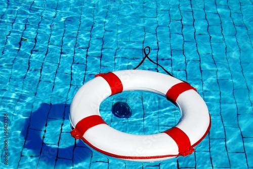 Leinwanddruck Bild erhöhte Sicherheit am Ansaugrohr im Pool