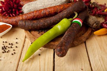 Deftige ungarische Salami-Platte