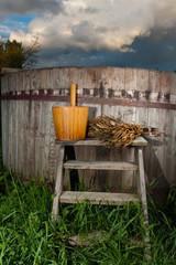 Bath Barrel with broom