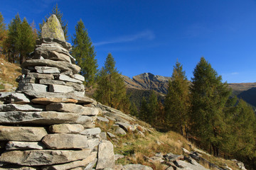 Cairn & hiking trail