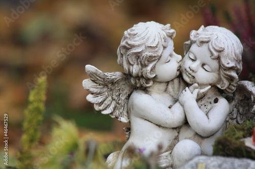 Schutzengel - Kissing angels - 46467529