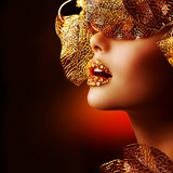 Fototapety Luxury Golden Makeup. Beautiful Professional Holiday Make-up