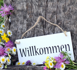 Willkommen mit Wildblumen
