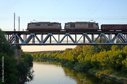 Train on the bridge - 46535566