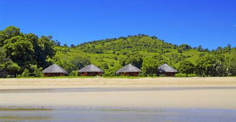 Rivage sauvage d'une île de Madagascar